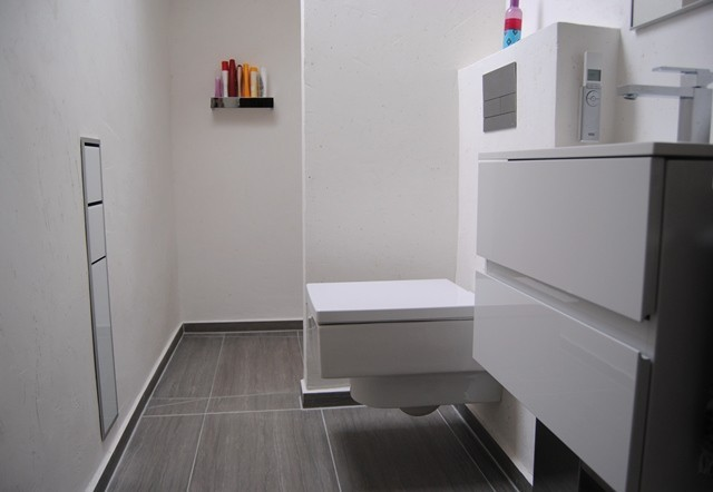 Badezimmer Ohne Fliesen · Badgestaltung · Badgestaltung